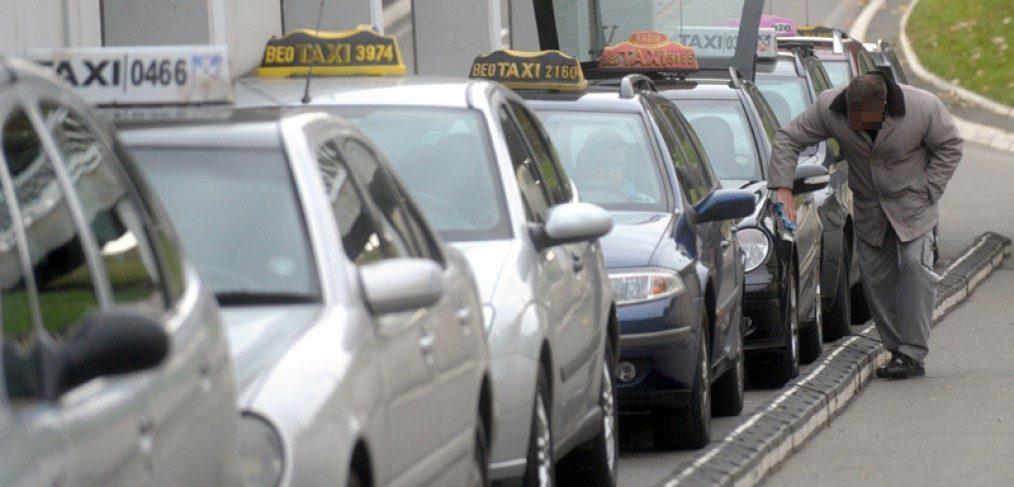 Taxi vehicles lined up at Belgrade Airport. IBikeBelgrade, Photo by: Novosti.rs