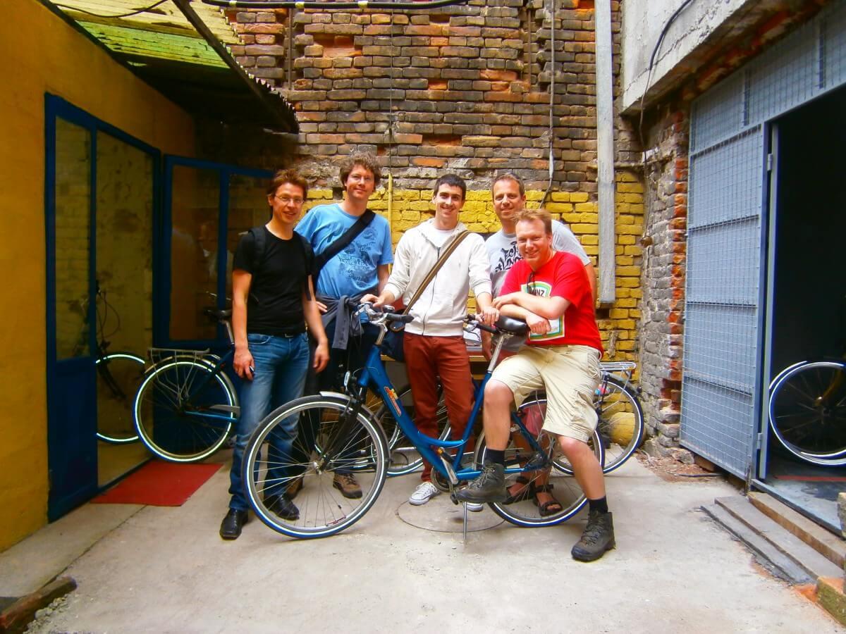 Guide Vladimir and his Dutch guests in Belgrade