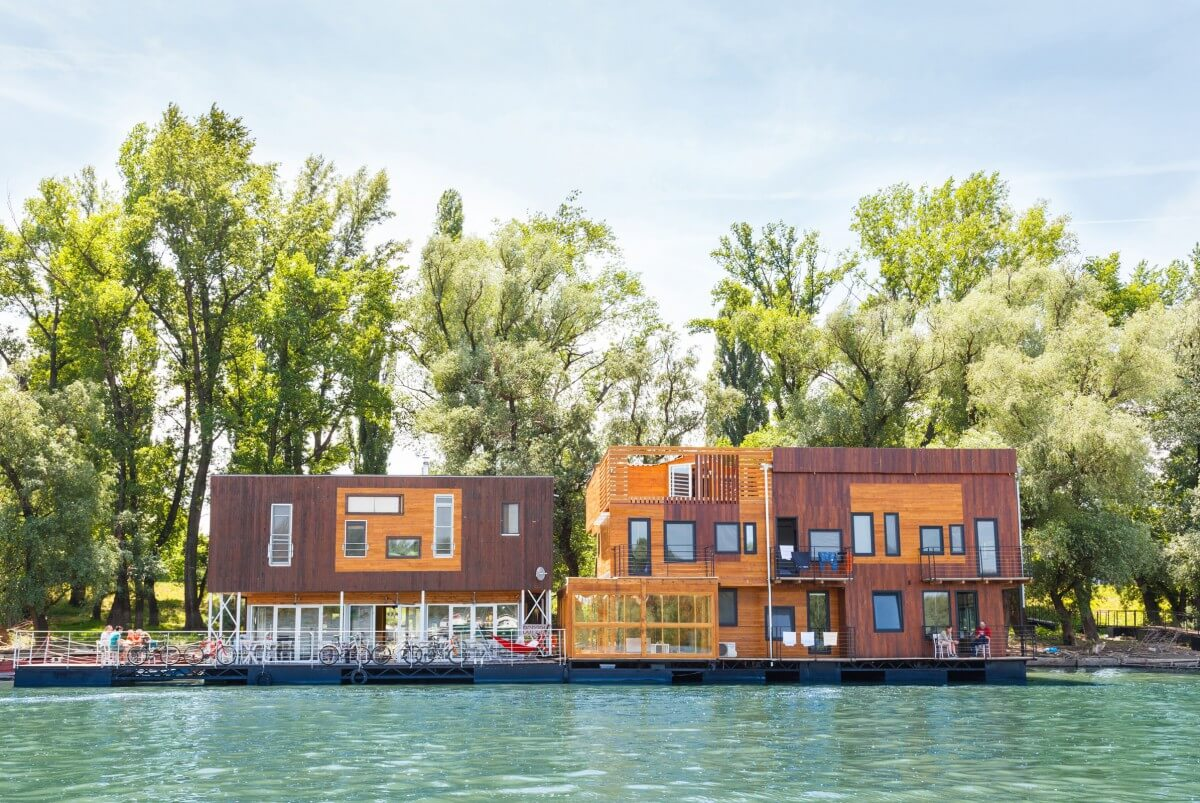 arcabarca floating hostel in Belgrade